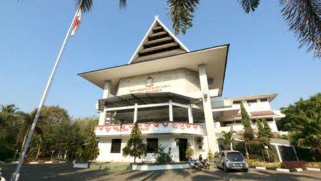 Gedung DPRD Kota Makassar, di Jalan AP Pettarani, (trotoar.id).