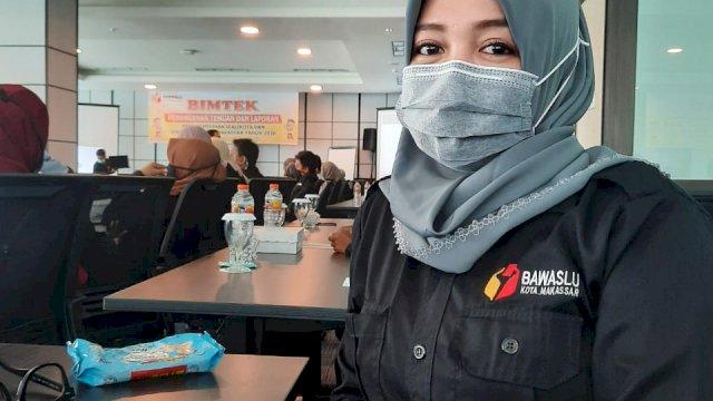 Panwaslu Kecamatan Biringkanaya dan Satpol PP Tertibkan Alat Peraga Kampanye