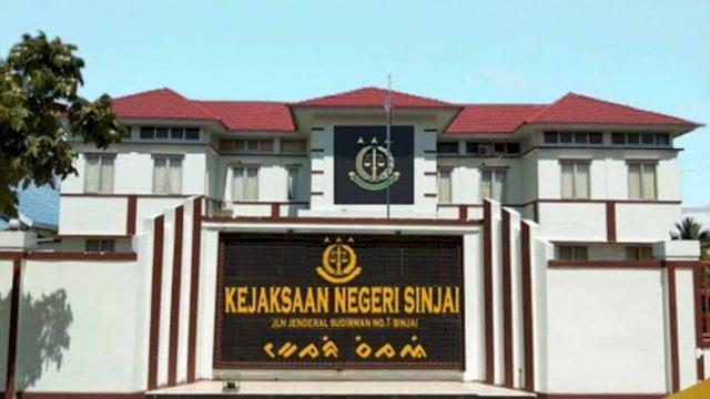 Gedung Kejaksaan Negeri Kabupaten Sinjai, di Jalan Jenderal Sudirman, Kecamatan Sinjai Utara.   Sumber: Website Kejari-Sinjai/trotoar.id