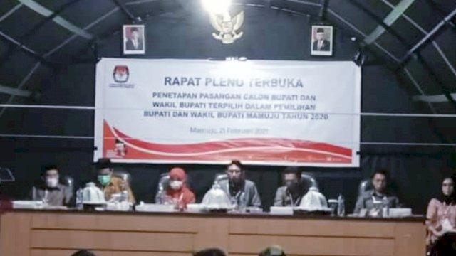 Penetapan Bupati terpilih Kabupaten Mamuju, Sulawesi Barat.p