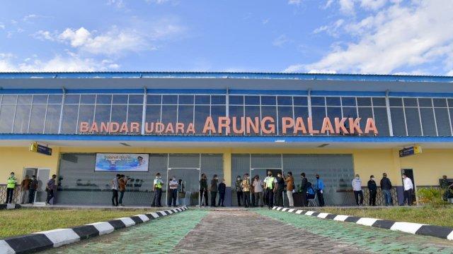 Gubernur Sulsel Meninjau lokasi Bandara Arung Palakka Kabupaten Bone, Sulaqesi Selatan