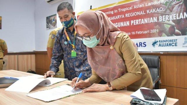 Bupati Luwu Utara Indah Putri Indriani Melakukan Penandantaganan Kerjasama Program SFITAL