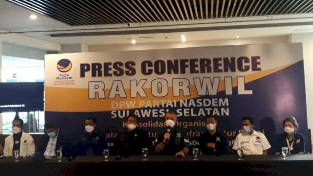 Pres Conference partai NasDem di Makassar.