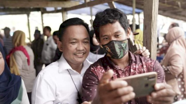 warga Bantaeng di Ambon Sambut Haru Kedatangan Ilham Azikin