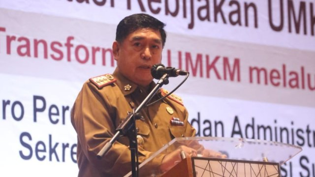 Sekretaris daerah Provinsi Sulawesi Selatan (trotoar.id).