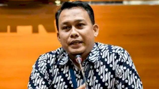 Pelaksana Harian (Plh) Juru Bicara KPK yang baru Ali Fikri menyampaikan konferensi pers di gedung KPK, Jakarta, Jumat (27/12/2019). Foto: ANTARA FOTO/M Risyal Hidayat.