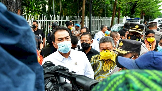 Azis Syamsuddin: Jenguk Korban dan Tinjau Lokasi Bom Makassar
