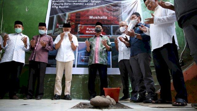 Peletakan Batu Pertama Pembangunan Mushalla SMPN 5 Makassar