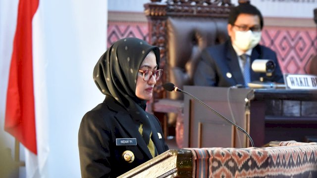 Bupati Luwu Utara Indah Putri Indriani Memberikan Penjelasan dalam Sidang Paripurna DPRD
