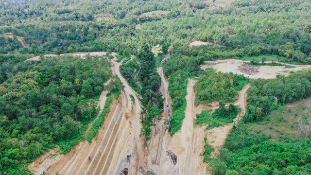Bendungan di tengah hutan di Kabupaten Bone, Sulsel.