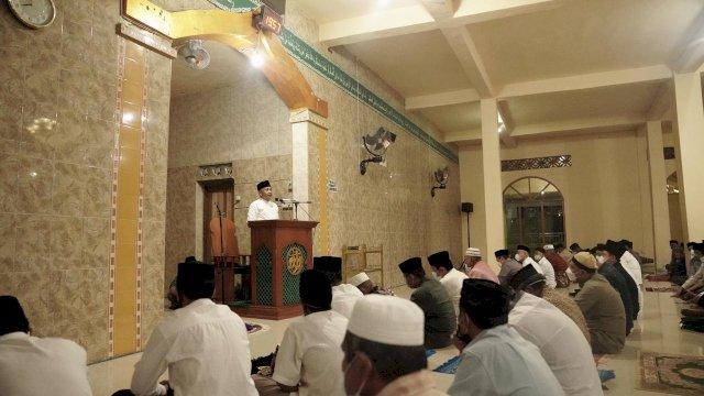 Bupati Bantaeng Ilham Azikin memberikan Ceramah Ramadhan