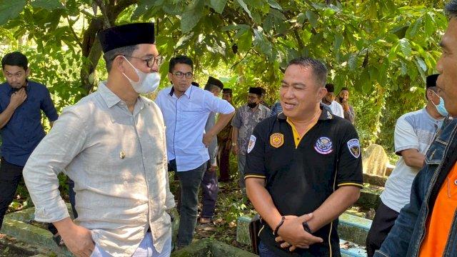 Edy Manaf Hadiri Pemakaman Kades Pertama Bukit Harapan