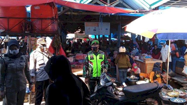 Dalam sebuah Ops gabungan di Pasar Sentral Sinjai.