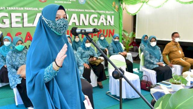 Dinas Tanaman Pangan, Hortikultura, dan Perkebunan Sulsel, melaksanakan Gelar Pangan Pasar Tani, di Jalan Amirullah Makassar, 3 - 4 Mei 2021. Kegiatan ini dibuka oleh Ketua Tim Penggerak PKK Sulsel, Naoemi Octarina.