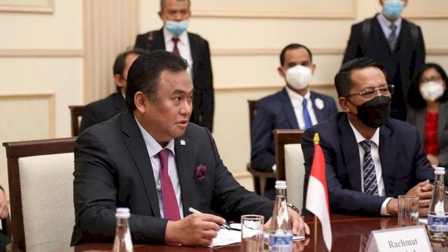 Wakil Ketua DPR Ri didampingi Ketua DPRD Kota Makasaar / Trotoar.id