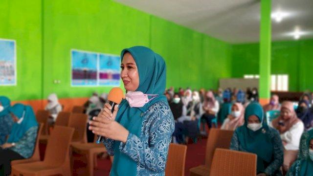 Peringati HKG Ke 49, TP PKK Kabupaten Luwu Gelar Sosialisasi Parenting