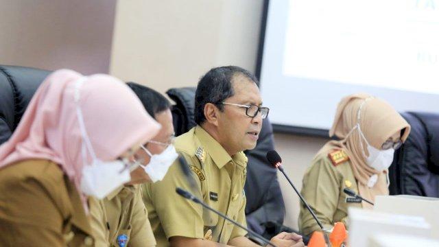 Wali Kota Makassaf Muhammad Ramdhan Pomanto Memimpin Rapat Evaluasi