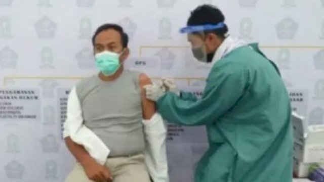 Ratusan Pelayan Publik di Sinjai Disuntik Dosis Kedua Vaksin Covid-19