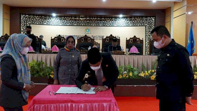 PEMKAB-DPRD Tandatangani Nota Kesepakatan Bersama Rencangan Awal RPJMD 2021-2026