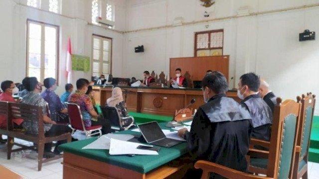 Sembilan Saksi dihadirkan Dalam Sidang Mendengarkan keterangan Saksi Terhadap Terdakwa Agung Sucipto