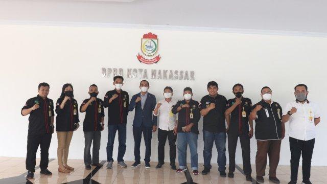 Ketua DPRD Makassar bersama pengurus DPN Makassar.
