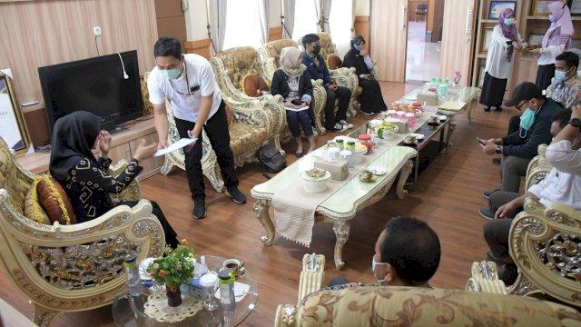 Pemerintah Daerah (Pemda) Kabupaten Luwu Utara resmi mendapatkan hibah berupa Barang Milik Negara dari Kementerian Pekerjaan Umum dan Perumahan Rakyat (PUPR). Serah terima dilakukan di Ruang Kerja Bupati, Rabu (9/6/2021).