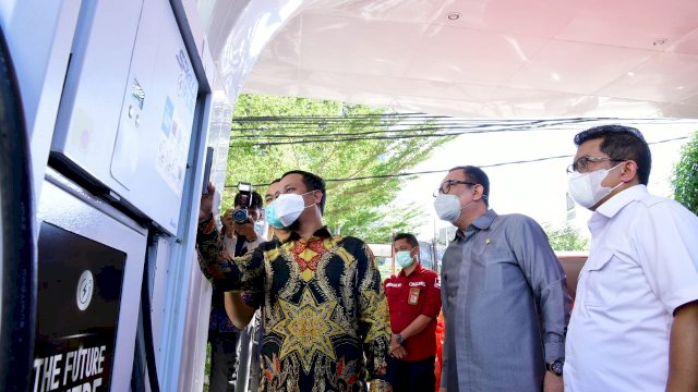 Pertama di Indonesia Timur, Plt Gubernur Sulsel Launching Stasiun Pengisian Kendaraan Listrik Umum PLN Mattoanging