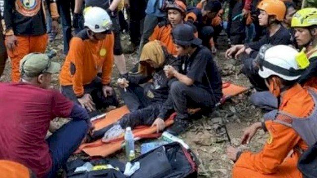 150 Tim SAR Gabungan Turun, Pendaki Perempuan yang Hilang 3 Hari di Gunung Abbo Maros Ditemukan
