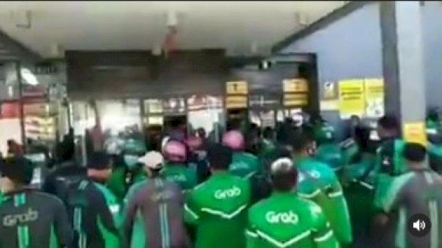 Satgas Raika Bubarkan Kerumunan Ojol di McDonald's Makassar, Ini Penyebabnya