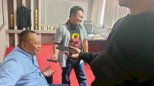 Ketua Fraksi Nasdem Ady Ansyar memberikan Keterangan Soal Ranperda Pertanggung Jawaban APBD tahun 2020