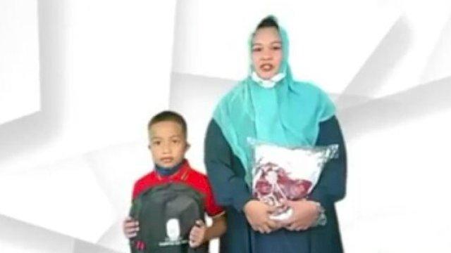 Orang Tua Siswa Bersyukur Dapat Bantuan Seragam Sekolah Gratis dari Bupati ASA