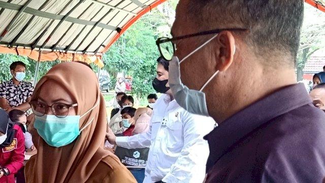 Bupati Luwu UTara Indah Putri Indriani Meninjau Proses Vaksinasi COVID-19.