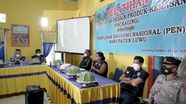 Pemulihan Ekonomi Nasional, Pelaku UMKM Kecamatan Larompong Selatan Ikuti Pelatihan Packaging
