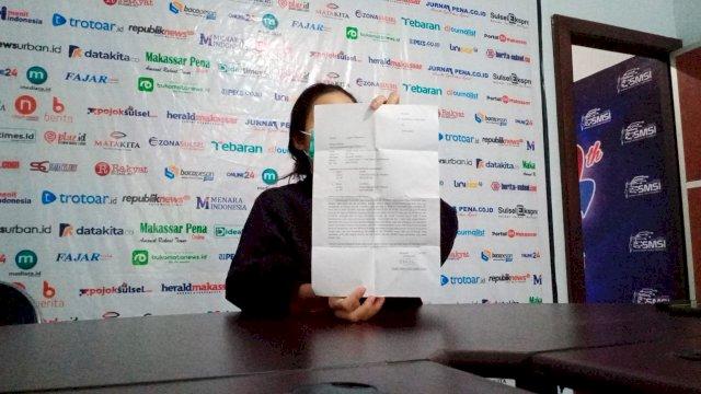 Perempuan ini adalah korban yang mengaku diperkosa oleh dua oknum pegawai BRI di Sulsel, Minggu (25/7) | (Dok: Alam/trotoar.id).