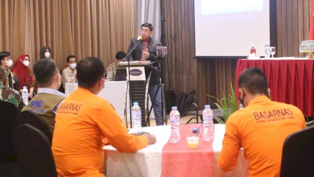 Sekretaris Daerah Provinsi Sulsel, Abdul Hayat Gani, membuka secara resmi Diskusi Publik Rencana Penanggulangan Bencana Provinsi Sulsel Tahun 2021 hingga 2025,