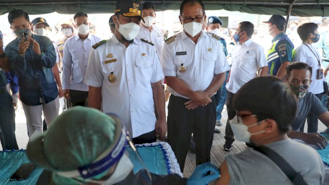 Walkot Danny Pomanto Dorong Deklarasi Pelabuhan Makassar Wajib Vaksin