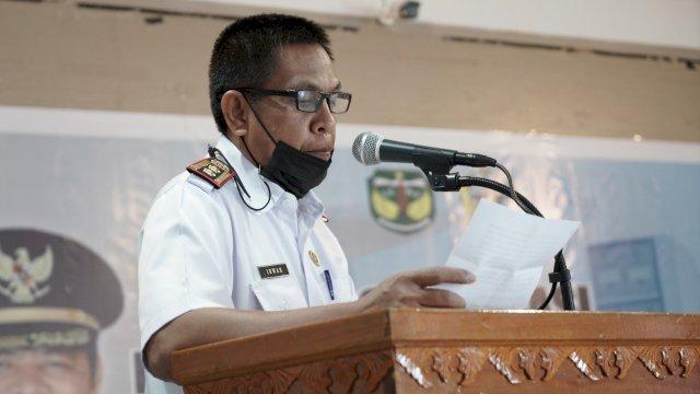 Sekretaris Daerah Kabupaten Luwu, Drs H Sulaiman, MM didampingi oleh Kadis Perpustakaan dan Kearsipan Luwu