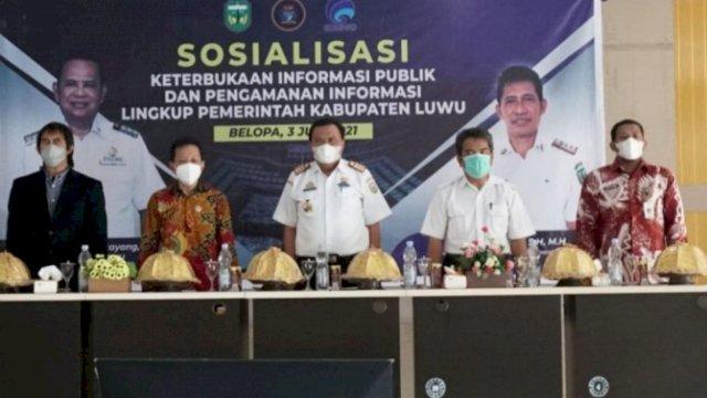Dinas Kominfo-SP Luwu Gelar Sosialisasi Keterbukaan Informasi Publik dan Pengamanan Informasi