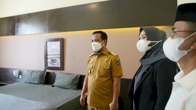 Ketua Dewan Perwakilan Rakyat Daerah (DPRD) Provinsi Sulawesi Selatan Andi Ina Kartika Sari hadir mendampingi Plt ubernur Sulsel melaunching Fasilitas Isolasi Terintegrasi (FIT) Provinsi Sulsel, di Asrama Haji Sudiang Makassar