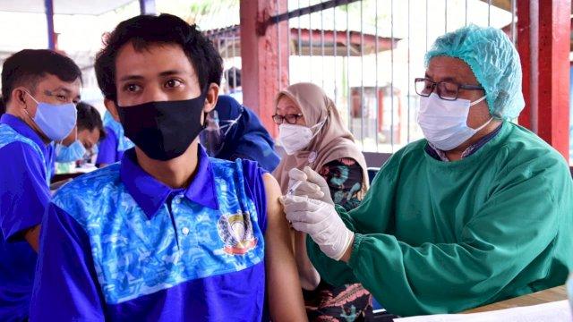 Vaksinasi untuk warga binaan Lapas di Sulawesi Selatan.