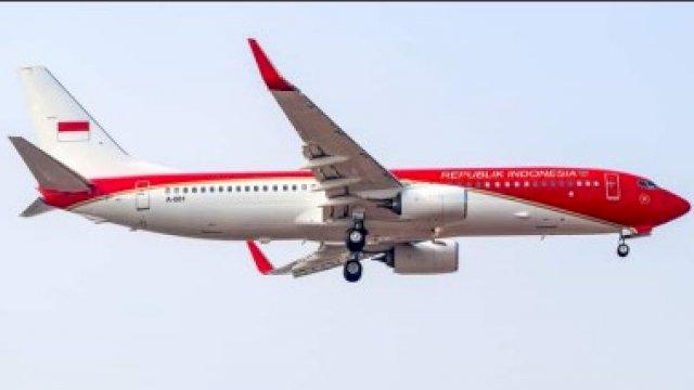 Pesawat berwarna merah yang diambil dari media sosial Twitter.