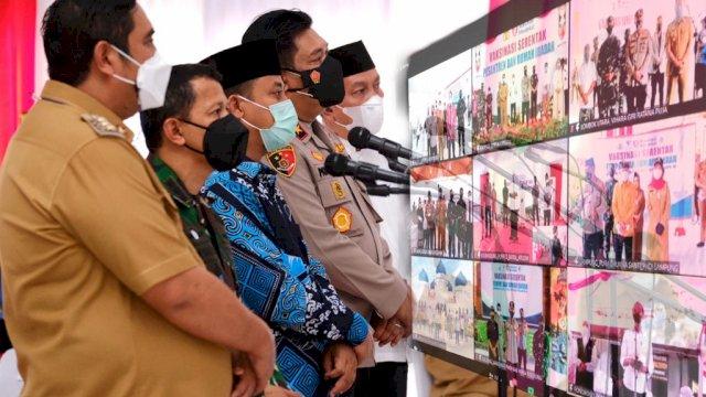 Bersama Presiden Jokowi, Plt Gub Sulsel Hadiri Vaksinasi Serentak Pesantren dan Rumah Ibadah
