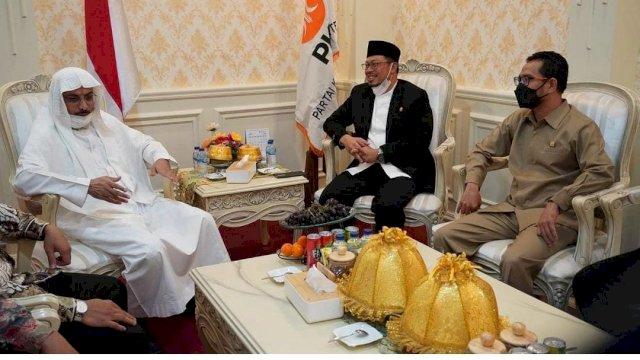 Wakil ketua DPRD Sulsel Muzayyin Arif menerima kunjungan Lembaga Ilmu Pengetahuan Islam dan Arab (LIPIA) Jakarta Syaikh Dr. Omar bin Hamad As-Swaidan, Jumat 10 /09/2021