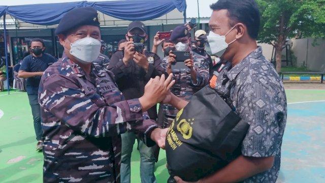 33 Tahun Pengabdian, Alumni Akabri 89 Gelar Baksos dan Vaksinasi Masyarakat KBN Untia Makassar