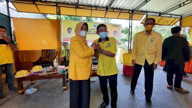 Andi Kartini di hadapan kader Golkar Sinjai Selatan. Sabtu (18/9).