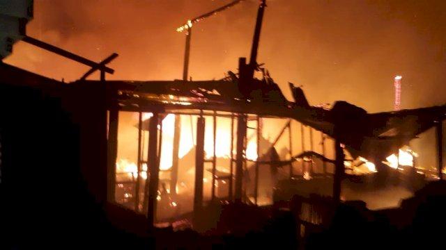 Kebakaran di Galesong Selatan, Takalar.