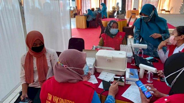 Vaksinasi Serentak 24 Kabupaten/Kota di Sulsel Target 300 Ribu Warga