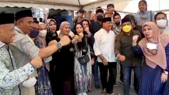 Nurdin Halid Foto Bersama Dengan Sejumlah Pengurus Golkar Sulsel