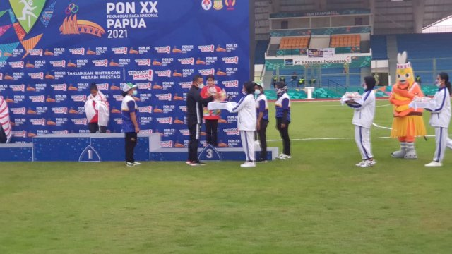 Atlet Atletik Fitri mampu menyumbangkan medali Perunggu pada PON XX 2021 Papua.
