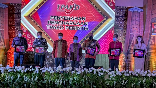 Pemkot Makassar Raih TPAKD Award 2021